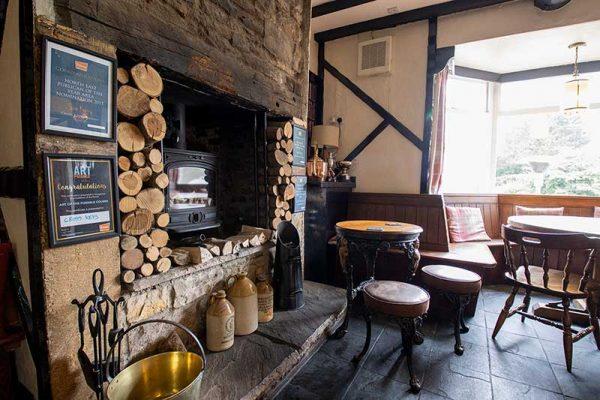 cross-keys-hamsterley-log-burner